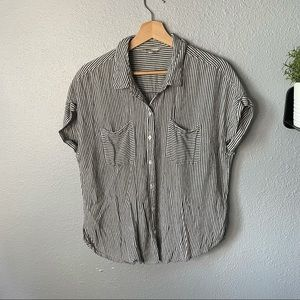 ✨3/$25 Lucky Brand Button Up Tee size large